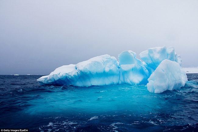 Ngắm núi băng 3 vạn năm tuổi cổ nhất thế giới - 6