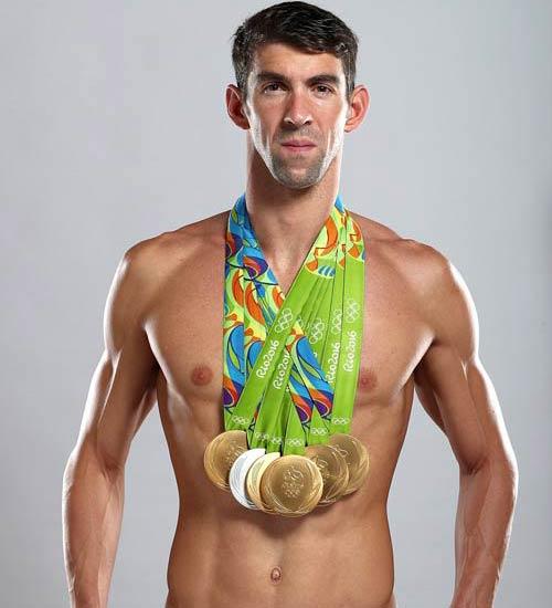 Khoe 5 HCV, Michael Phelps tri ân huyền thoại bơi lội - 1