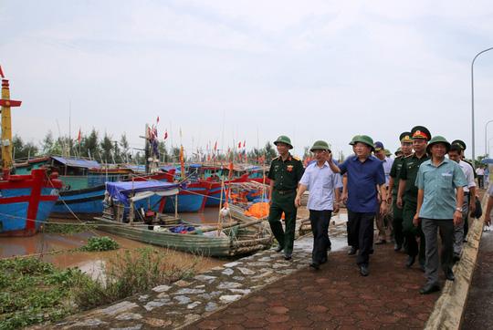Thủ tướng Nguyễn Xuân Phúc cử 3 Phó Thủ tướng đi chống bão - 3