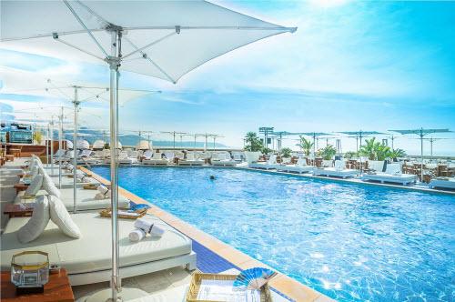 Những khách sạn có sân thượng đẹp nhất thế giới - 9