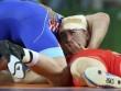 """Đô vật """"chết lâm sàng"""" trở lại giật HCV Olympic"""