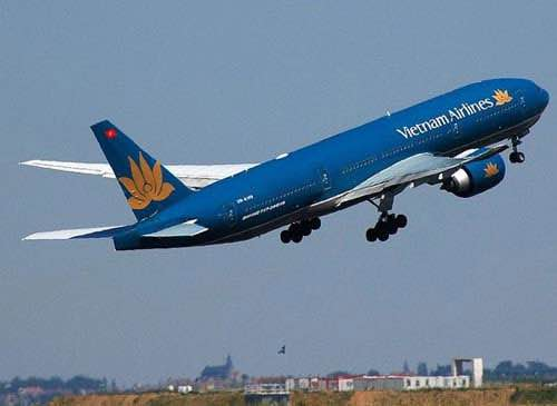 Tránh bão Thần Sét, Vietnam Airlines hủy 10 chuyến bay - 1