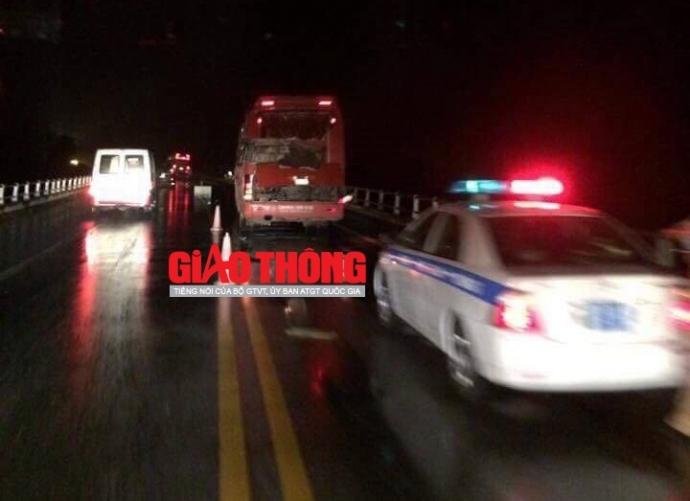 Yên Bái: TNGT nghiêm trọng, 8 người thương vong - 1