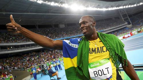 """Hét to """"số 1"""", Usain Bolt ăn mừng cú đúp HCV Olympic 2016 - 1"""