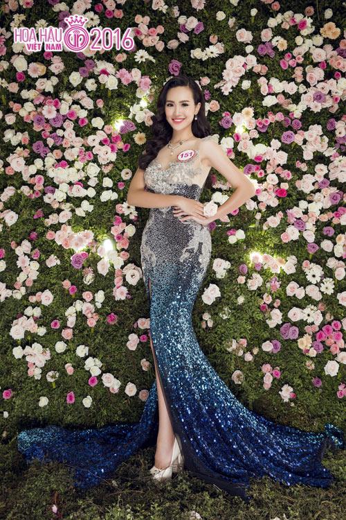 """Top 33 Hoa hậu VN đẹp """"chín mọng"""" với váy dạ hội - 8"""