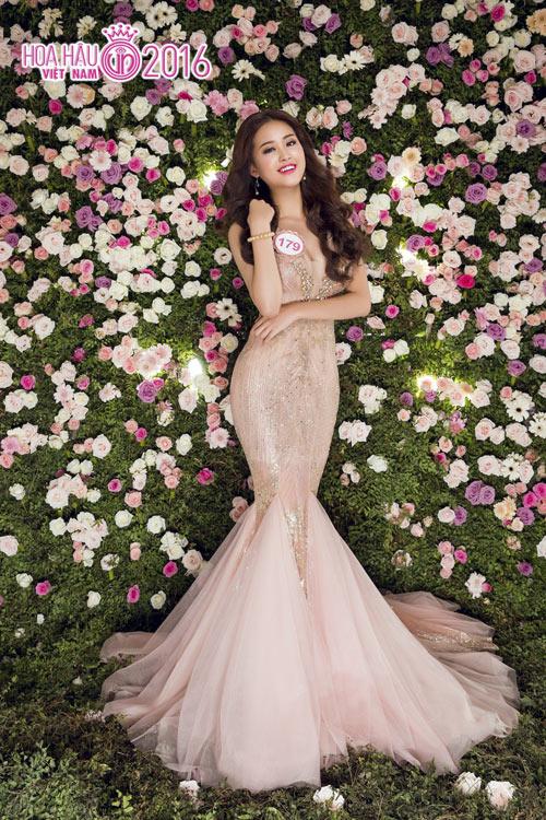 """Top 33 Hoa hậu VN đẹp """"chín mọng"""" với váy dạ hội - 10"""
