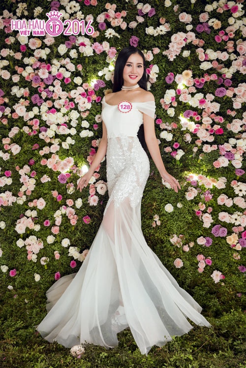"""Top 33 Hoa hậu VN đẹp """"chín mọng"""" với váy dạ hội - 5"""