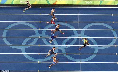 Usain Bolt đoạt HCV 200m: Nhà vô địch tuyệt đối - 2