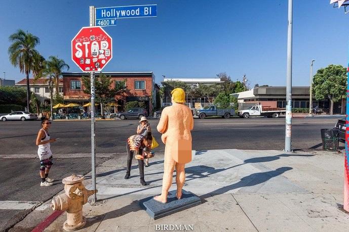 Mỹ: Tượng khỏa thân của Donald Trump gây sốt - 4