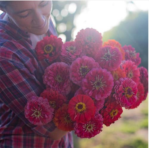 Cô gái trẻ chứng minh bán hoa là nghề tuyệt vời nhất - 7