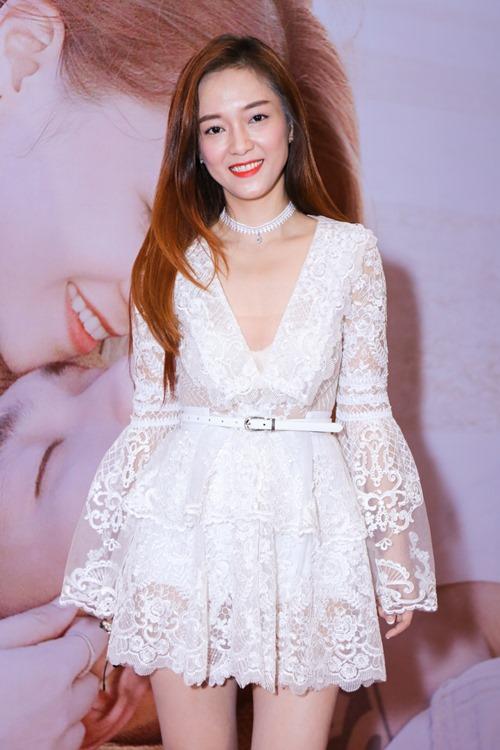 Đinh Hương trao Big Daddy 4 nụ hôn trong lần gặp đầu tiên - 1