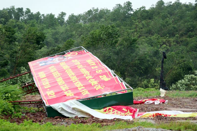 Bão Thần Sét đã suy yếu thành áp thấp nhiệt đới - 10