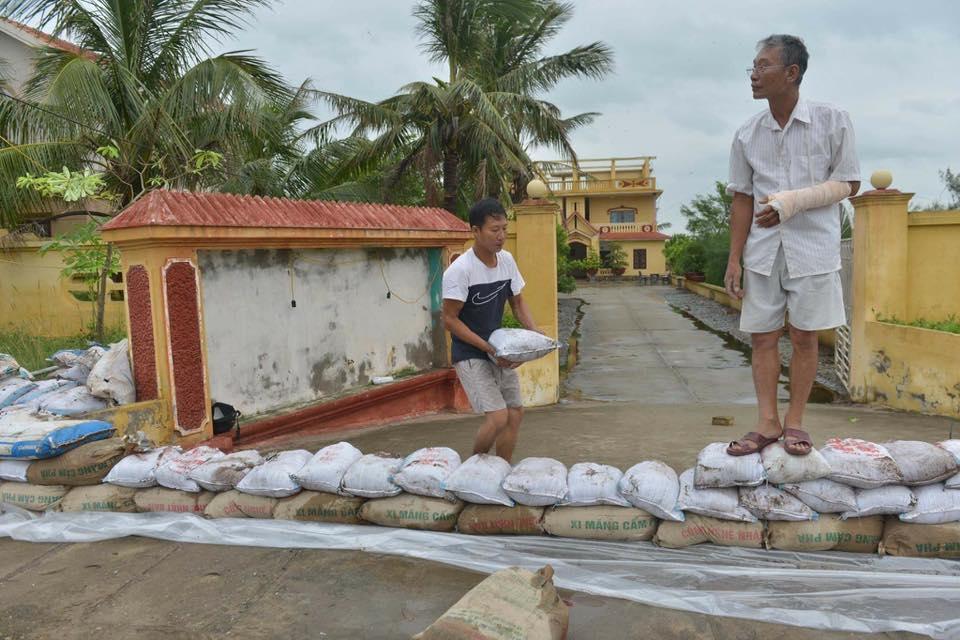 Bão Thần Sét đã suy yếu thành áp thấp nhiệt đới - 15