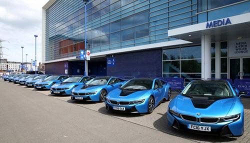 Ông chủ Leicester City thưởng 19 xe BMW i8 cho các cầu thủ - 3