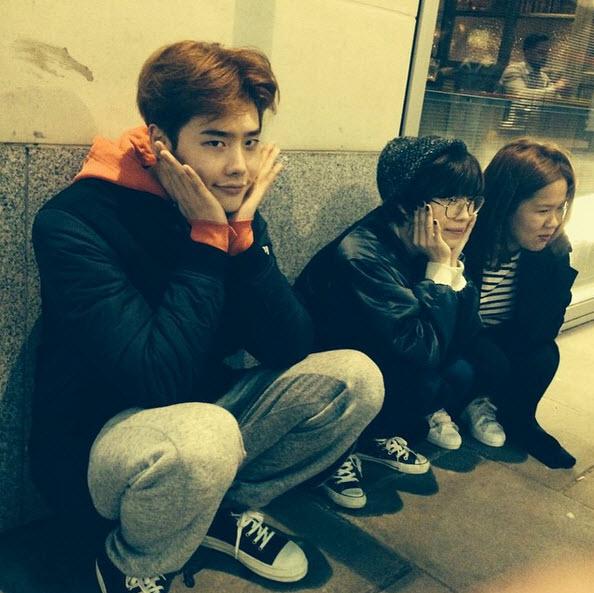 """Loạt ảnh điệu đà không ngờ của """"xạ thủ"""" Lee Jong Suk - 3"""