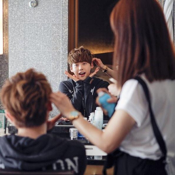 """Loạt ảnh điệu đà không ngờ của """"xạ thủ"""" Lee Jong Suk - 2"""