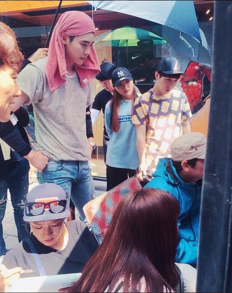"""Loạt ảnh điệu đà không ngờ của """"xạ thủ"""" Lee Jong Suk - 11"""