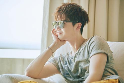 """Loạt ảnh điệu đà không ngờ của """"xạ thủ"""" Lee Jong Suk - 13"""
