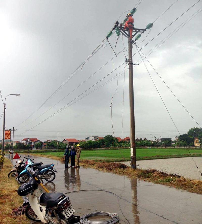 Bão Thần Sét đã suy yếu thành áp thấp nhiệt đới - 8