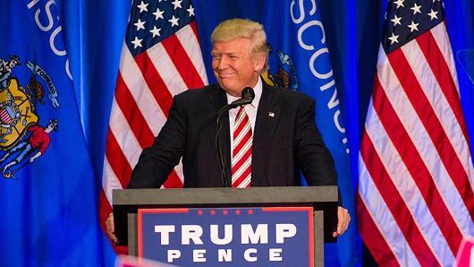 Tỉ phú Trump lần đầu tiên hối hận vì phát ngôn lố bịch - 2