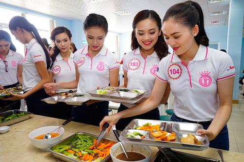 """Bữa trưa """"độc nhất vô nhị"""" của người đẹp Hoa hậu Việt Nam 2016 - 2"""