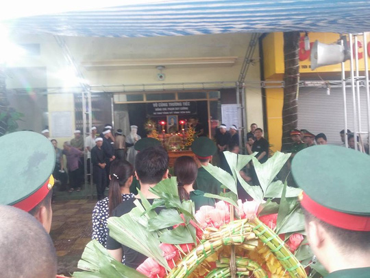 Bộ trưởng Tô Lâm viếng Bí thư, Chủ tịch HĐND tỉnh Yên Bái - 2