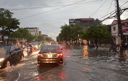 Bão Thần Sét đã suy yếu thành áp thấp nhiệt đới - 6