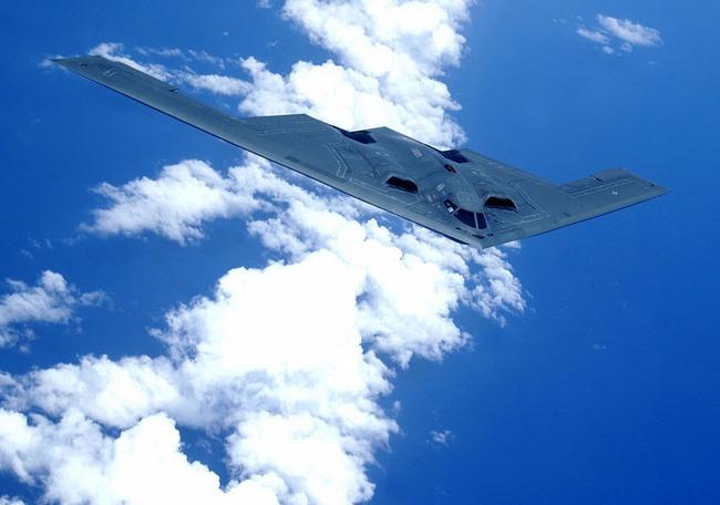 Sức mạnh bộ ba máy bay hạt nhân Mỹ lượn ở Biển Đông - 10