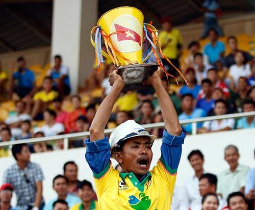 """Hạ dàn """"sao"""" U16 VN, U17 Đồng Tháp vô địch giải U17 - 1"""