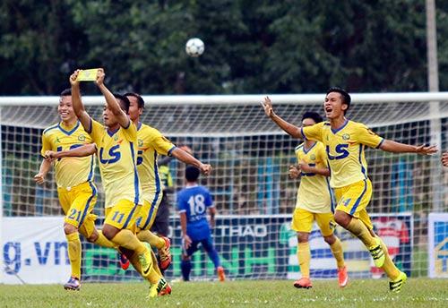 """Hạ dàn """"sao"""" U16 VN, U17 Đồng Tháp vô địch giải U17 - 5"""