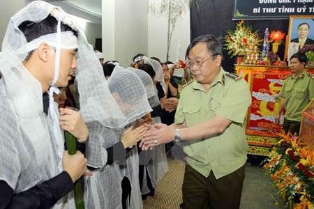 Thứ trưởng Bộ CA chỉ đạo điều tra vụ 2 lãnh đạo Yên Bái bị bắn - 1