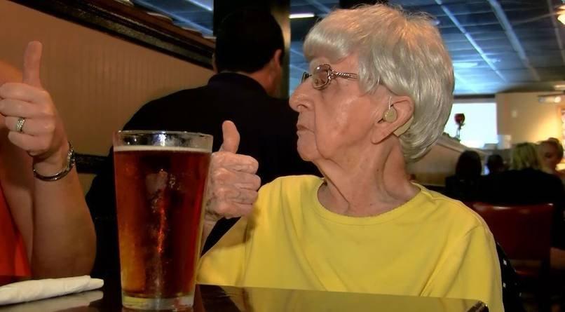 Mỹ: Sống lâu trăm tuổi nhờ uống bia mỗi ngày - 1