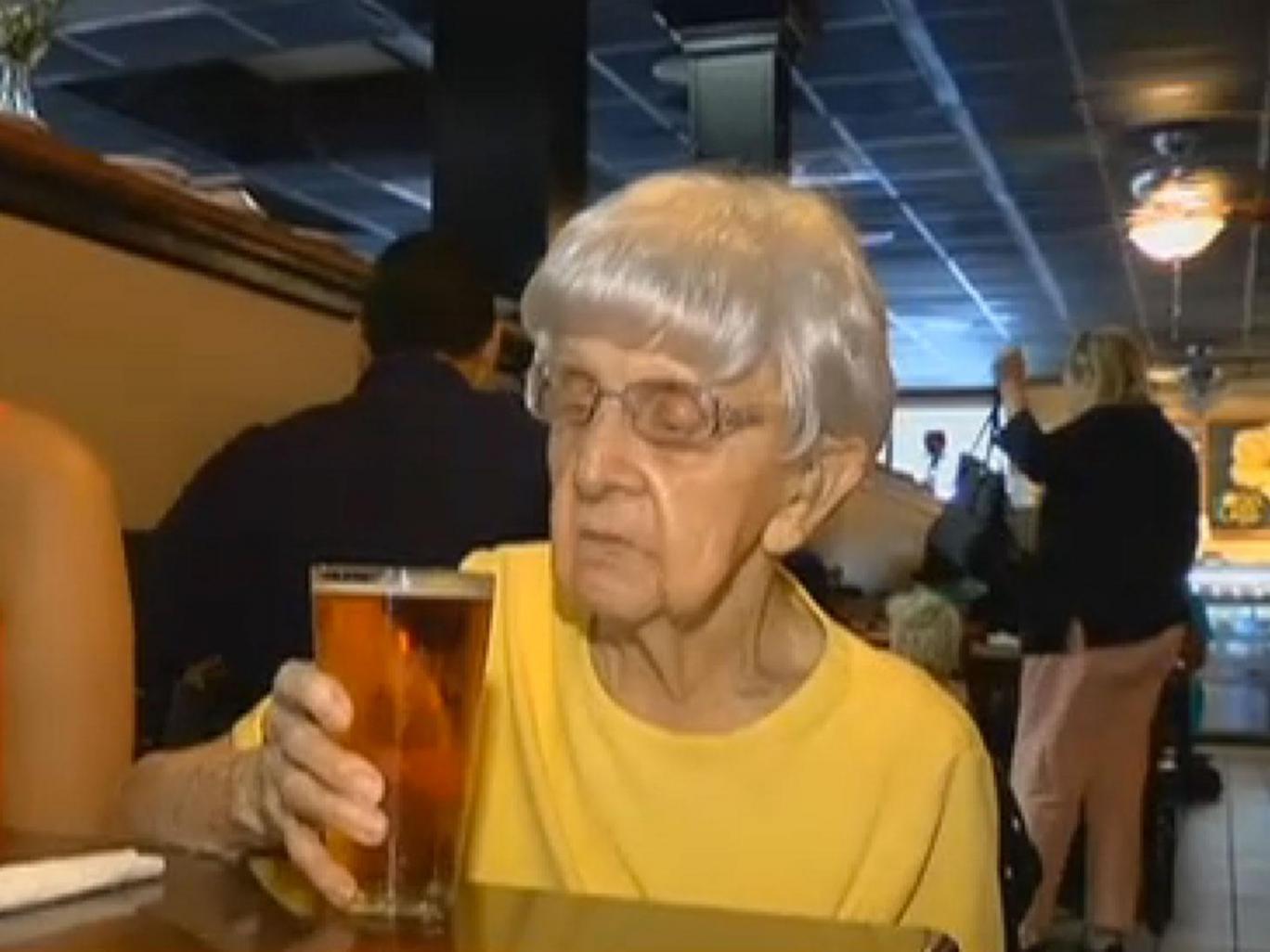 Mỹ: Sống lâu trăm tuổi nhờ uống bia mỗi ngày - 3