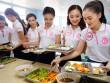 """Bữa trưa """"độc nhất vô nhị"""" của người đẹp Hoa hậu Việt Nam 2016"""