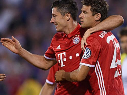 "Carl Zeiss Jena - Bayern: ""Hùm xám"" đùa vui - 1"