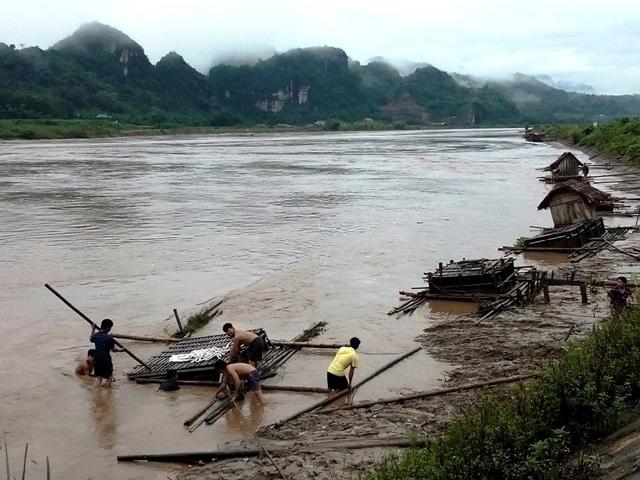 Nhiều nơi ở Nghệ An, Thanh Hóa bị cô lập sau bão số 3 - 2