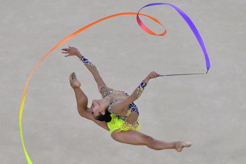21 bộ đồ thể dục nghệ thuật sexy mê người ở Olympic Rio - 1