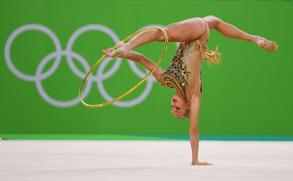 21 bộ đồ thể dục nghệ thuật sexy mê người ở Olympic Rio - 11