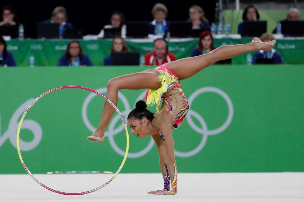 21 bộ đồ thể dục nghệ thuật sexy mê người ở Olympic Rio - 7