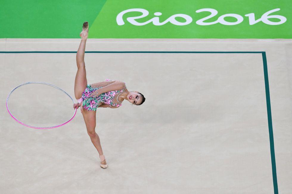 21 bộ đồ thể dục nghệ thuật sexy mê người ở Olympic Rio - 13