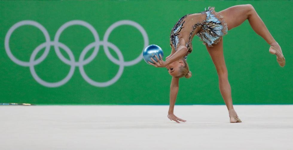 21 bộ đồ thể dục nghệ thuật sexy mê người ở Olympic Rio - 8