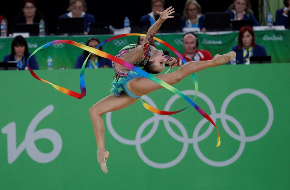 21 bộ đồ thể dục nghệ thuật sexy mê người ở Olympic Rio - 15
