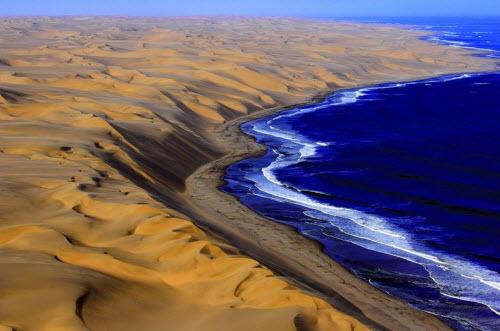"""Nơi sa mạc Namib """"hẹn hò"""" với đại dương - 4"""