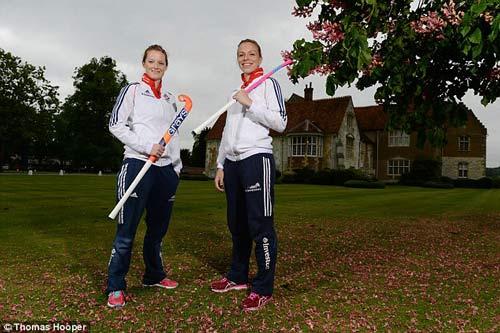Giành HCV Olympic, cặp đôi đồng tính nữ viết nên lịch sử - 1