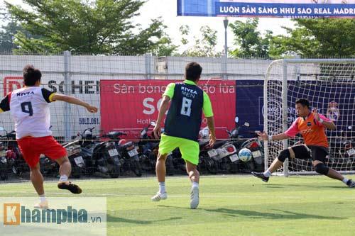 """Bóng đá """"phủi"""" Sài Gòn so tài nảy lửa săn vé đến Real Madrid - 12"""