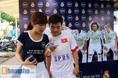 """Bóng đá """"phủi"""" Sài Gòn so tài nảy lửa săn vé đến Real Madrid - 15"""