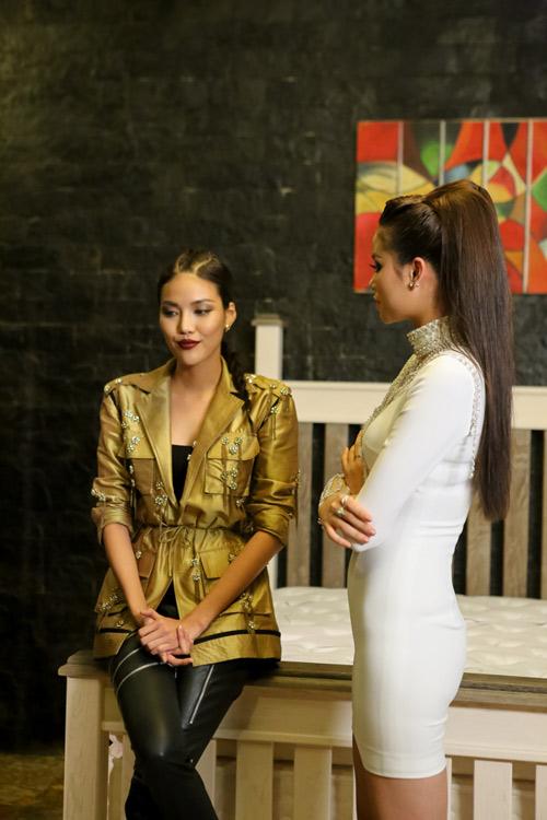 """The Face tập 10: Phạm Hương """"sát phạt"""" đội Lan Khuê - 1"""