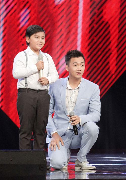 """Cậu bé nghèo hát dân ca khiến The Voice Kids """"phát cuồng"""" - 1"""
