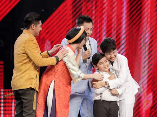 """Cậu bé nghèo hát dân ca khiến The Voice Kids """"phát cuồng"""" - 3"""