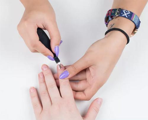2 bước chăm sóc móng tay đẹp tự nhiên với dầu nóng - 7